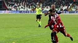 Sivasspor, Aytemiz Alanyaspor'u Süper Lig'in 23. haftasında  1-0 mağlup etti