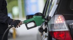Benzine indirim var motorine ise zam geldi pompa fiyatları ne olacak