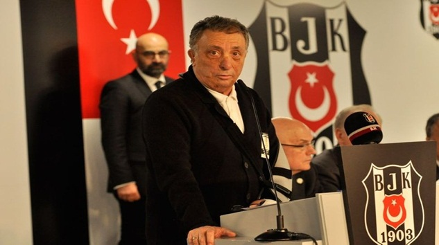 Beşiktaş'ta Ahmet Nur Çebi İndirimi kabul etmeyene yol gösterdi