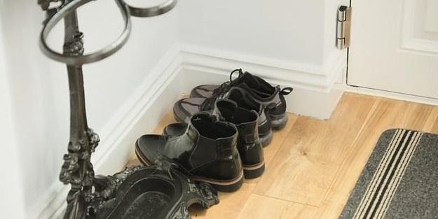 Koronavirüs Ayakkabılardan bulaşıyor! Bilim adamları tespit etti