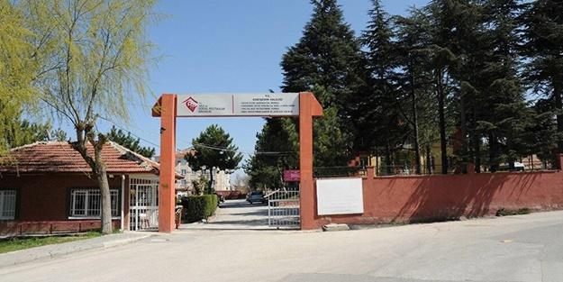 Koronavirüsü Eskişehir'de huzurevine sıçradı! Hastaneye kaldırıldılar