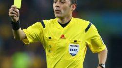 Michel D'Hooghe'dan Tüküren futbolcuya sarı kart gösterilsin önerisi
