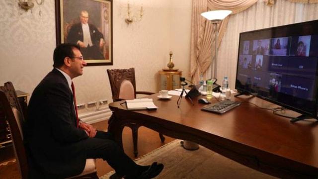 İstanbul Büyükşehir Belediye Başkanı Ekrem İmamoğlu çocuklara söz verdi