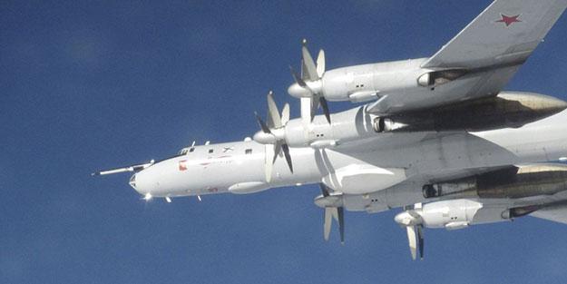 Amerikan savaş uçakları Alaska'da Rus deniz uçaklarına önleme yaptı.