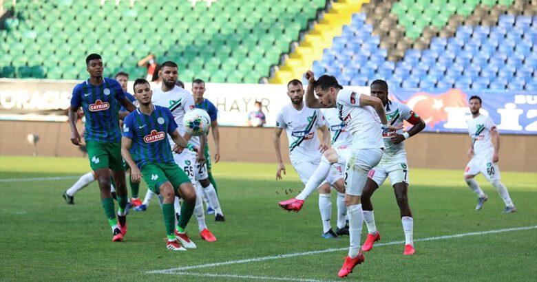Çaykur Rizespor ve Denizlispor 90 dakika boyunca yenişemedi