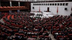 Ak Partili Mustafa Şentop yeniden TBMM Başkanı seçildi