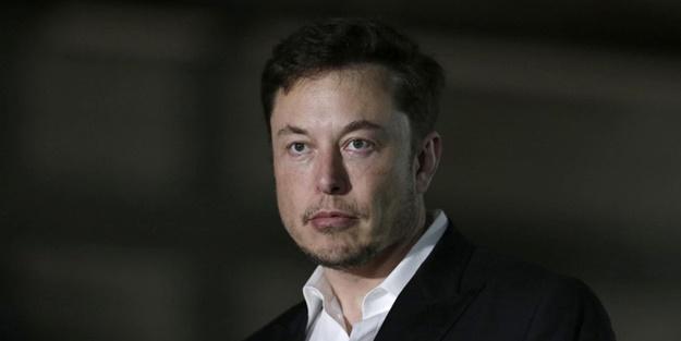 Tesla'nın CEO'su Elon Musk'tan Mısır Pramitlerini uzaylılar inşaa etti tweeti