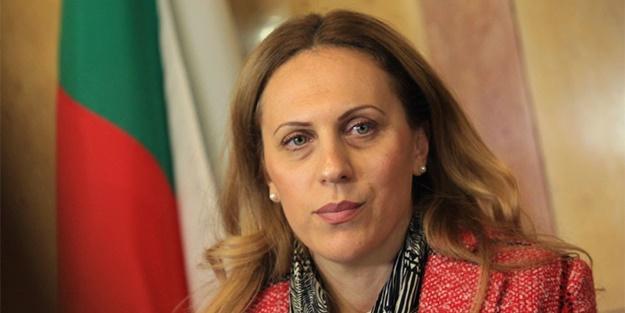 Bulgaristan Bakanı Nikolova: Çok kötü durumdayız Türkiye'ye izin verin