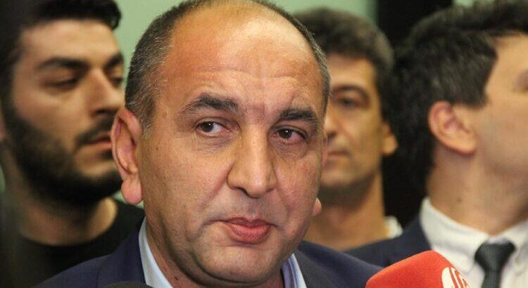 Fenerbahçe'de Başkan vekili Semih Özsoy istifa etti