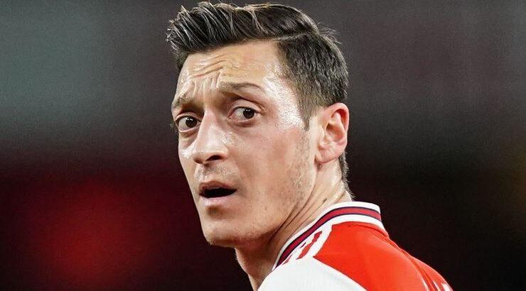 Fenerbahçe ile adı anılan  Mesut Özil'e Juventus kancayı taktı