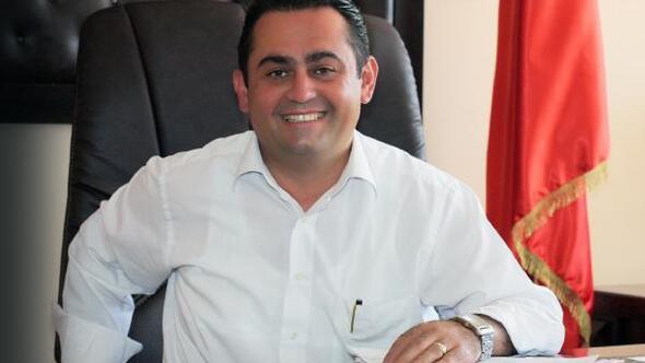 Antalya İbradı Belediye Başkanı olan Serkan Küçükkuru, Muharrem İnce'nin kuracağı partiye geçeceğini açıkladı.