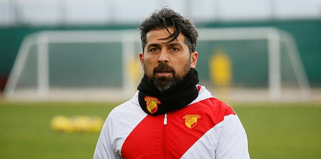 Süper Lig'de Göztepe'yi çalıştıran İlhan Palut üst üste alınan başarısız sonuçlardan sonra oyuncularla vedalaşarak görevini bıraktı. Sarı-kırmızılılarda Palut ile ayrılığın yarın resmen açıklanması bekleniyor.