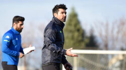 Denizlispor teknik direktörü Hakan Kutlu babasını kaybetti