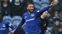 Everton'lu Cenk Tosun Türkiye'de Beşiktaş'a transfer oldu