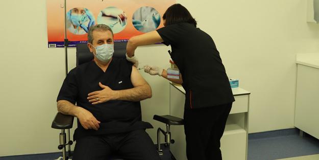 BBP Lideri Mustafa Destici koronavirüs aşısını yaptırdı