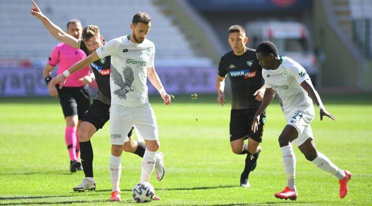 Konyaspor Süper Lig'de Denizlispor'u 2 farkla yenerek çıkışa geçti