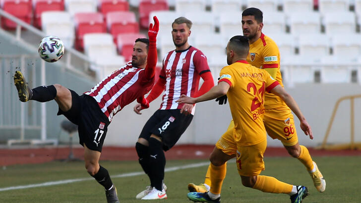 Süper Lig'de Kayserispor Konuk olduğu Sivaspor'a mağlup oldu
