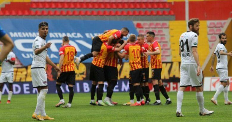 Kayserispor'a konuk olan Denizlispor rakibinden yarım düzine gol yedi
