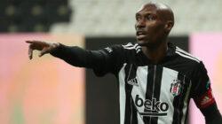 Atiba Hutchinson Beşiktaş'tan ayrılacakmı? Haberi Radyo Mega'da