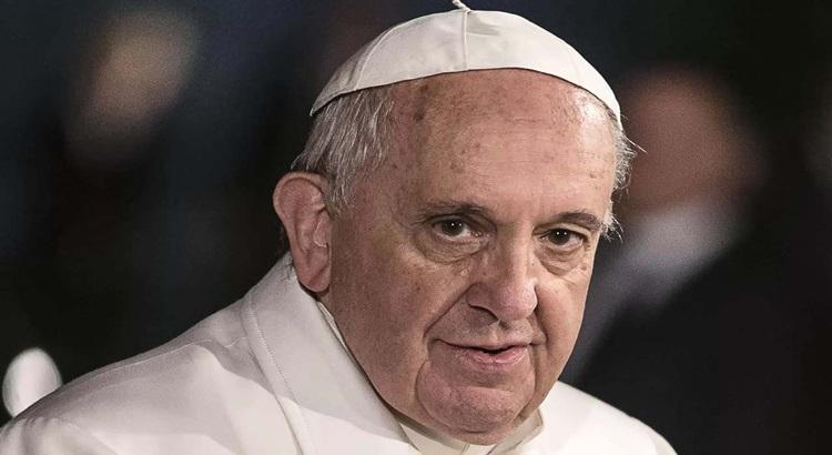 Papa Francis, ameliyattan sonra ilk fotoğrafını verdi